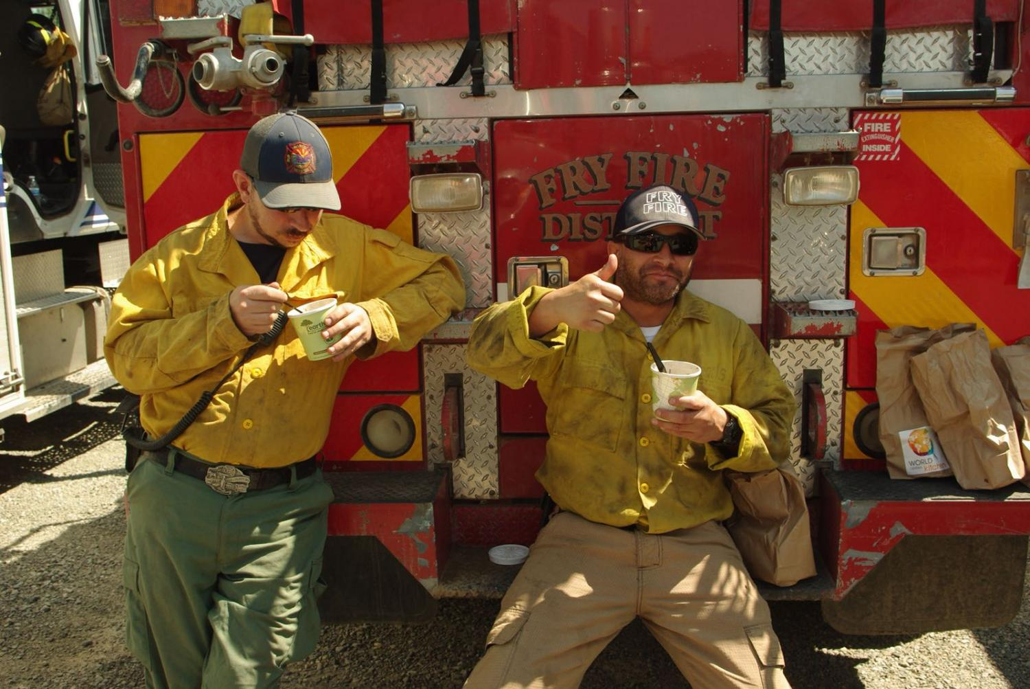 Firefighters-fighting-the-Carr-fire-in-California-take-a-break-thanks-to-World-Central-Kitchen.jpg