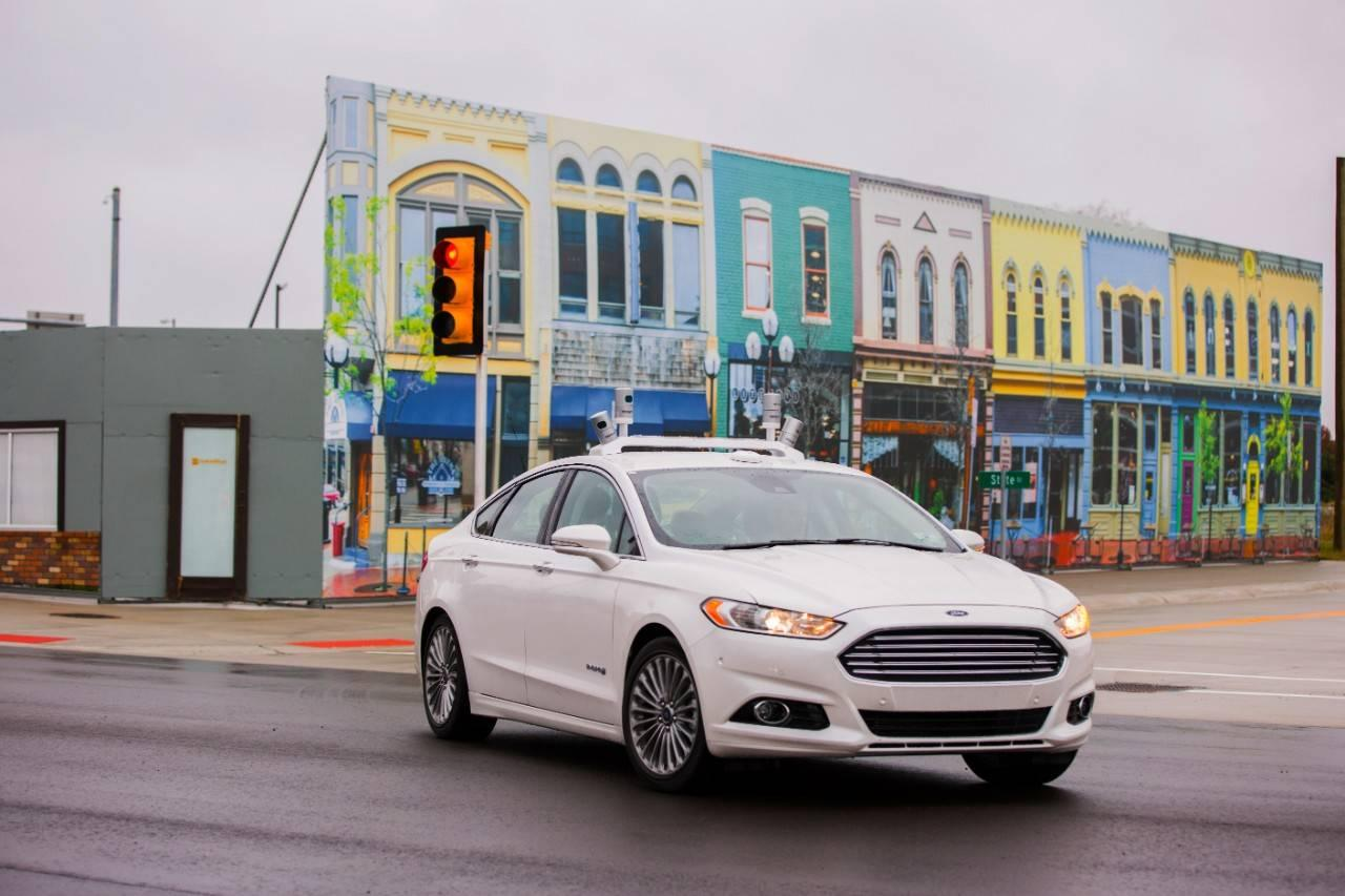 Ford-has-put-a-billion-dollar-bet-on-self-driving-cars.jpg