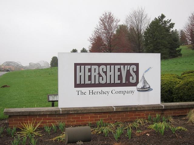 Hershey-has-sealed-its-most-recent-CSR-report-with-a-Kiss.jpg