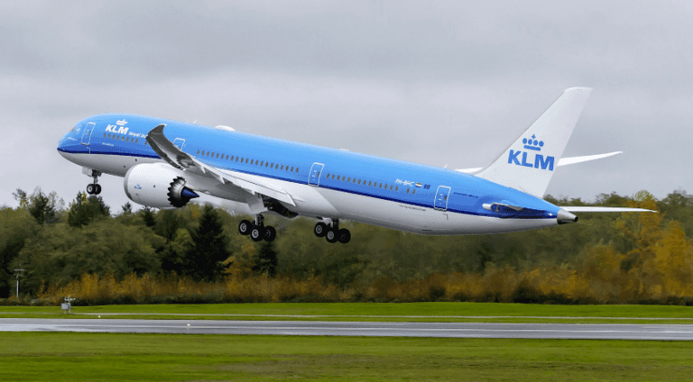 KLM-is-transitioning-more-of-its-trans-oceanic-fleet-to-the-Dreamliner.png