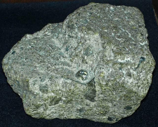 Kimberlite-the-rock-De-Beers-pins-hopes-on-reducing-its-carbon-footprint.jpg