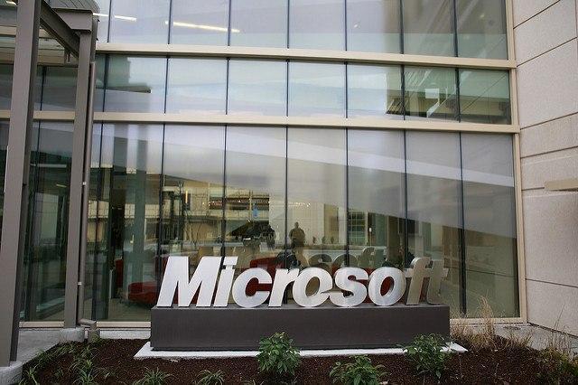 Microsoft_bonuses_RobertScoble.jpg