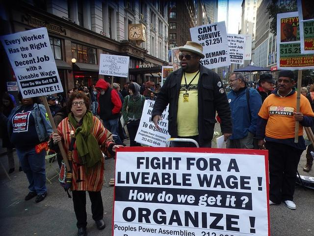 Minimum-Wage-Protesters.jpg
