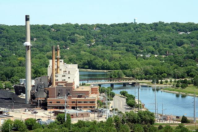 Minnesota_coal_plant_leg_suit_Johnathunder.jpg