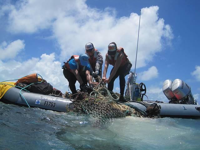 Ocean_plastic_NOAA_OfficeResponseRestoration.jpg