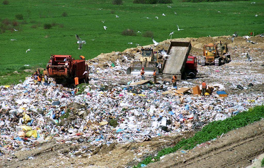 Poland-landfill-wikipedia.jpg