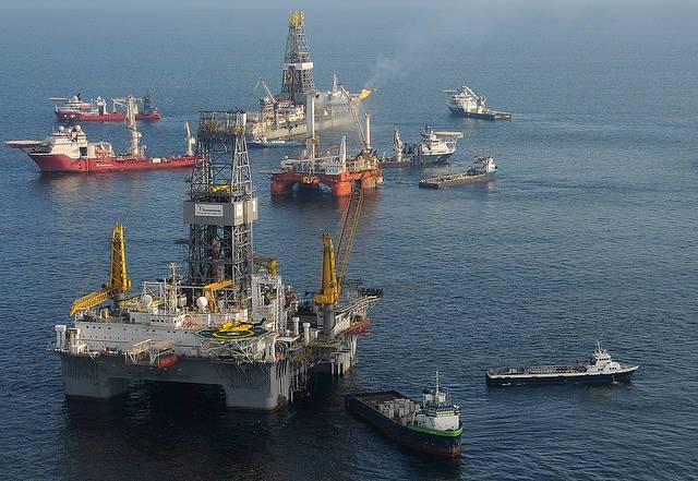 Recover-efforts-during-the-2010-Deepwater-Horizon-disaster-off-the-Louisiana-coast.jpg