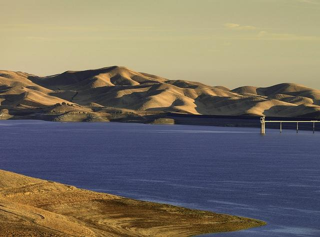San-Luis-Reservoir.jpg