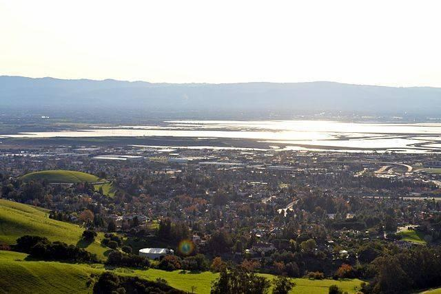 South_San_Francisco_Bay_viewed_from_Mission_Peak_in_Fremont_California.jpg