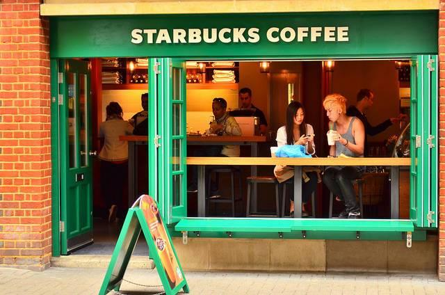 Starbucks-polarizing-yet-still-wildly-popular.jpg