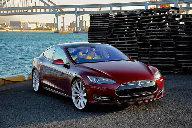 Tesla-insists-more-Model-S-cars-are-leaving-its-factory-pushing-it-to-plan-3-more-gigafactories.jpg