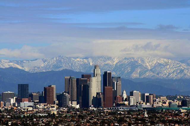 The-Los-Angeles-skyline-in-2008.jpg