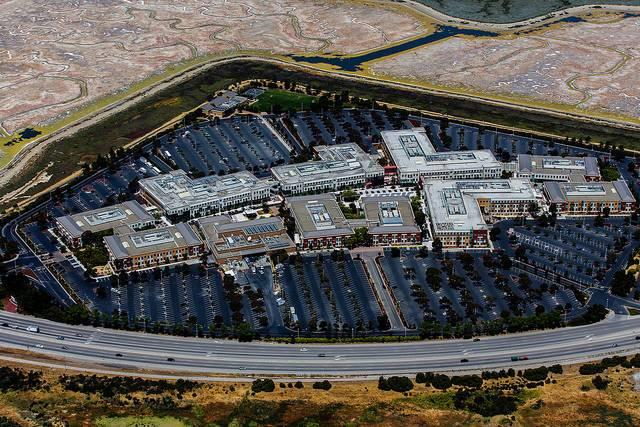 The-Menlo-Park-headquarters-of-Facebook-one-company-under-attack-for-using-the-H1-B-visa-program1.jpg