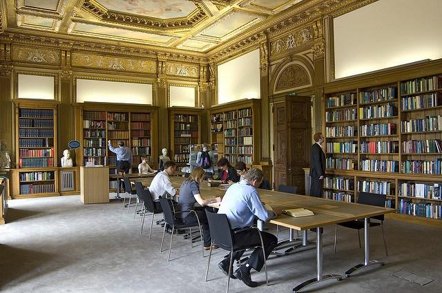The-Royal-Societys-reading-room-at-its-London-Headquarters.jpg