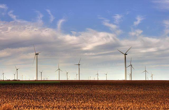 The-Smoky-Hills-Wind-Farm-in-Kansas.jpg
