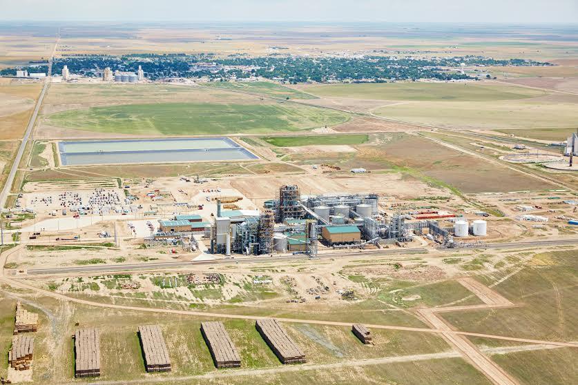 The-new-Abengoa-bio-ethanol-plant-in-Kansas.jpg