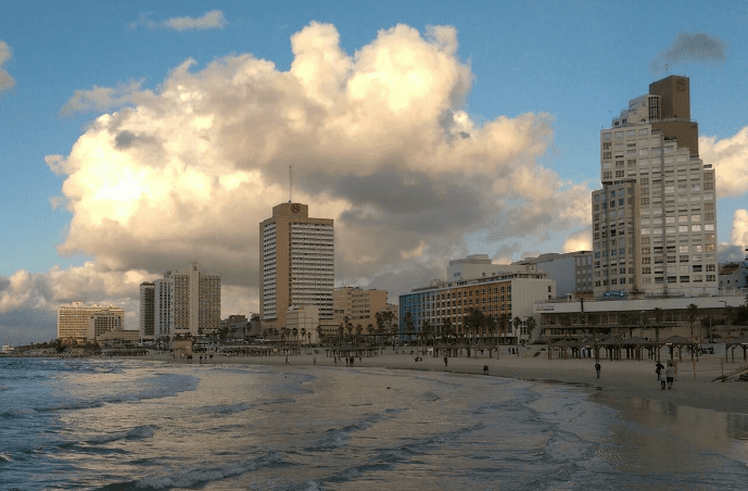 The-waterfront-at-Tel-Aviv.png