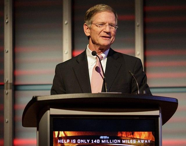 To-Lamar-Smith-NASA-should-be-about-Mars-not-science.jpg