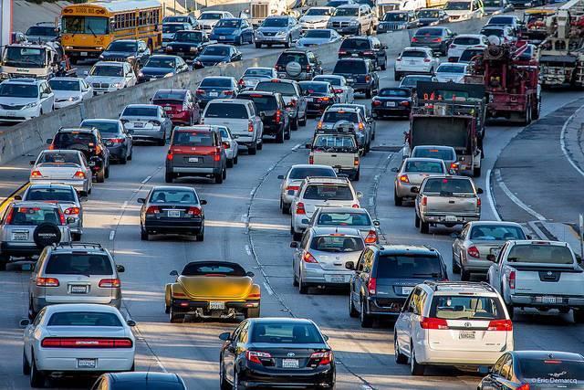 Traffic-on-US-101-in-Los-Angeles.jpg