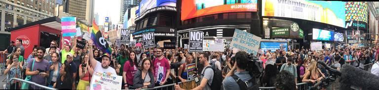 Transgender_military_protest_2_JereKeys.jpg