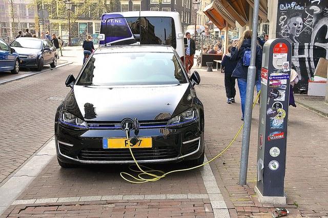 VW_electric_vehicle_FaceMePLS.jpg