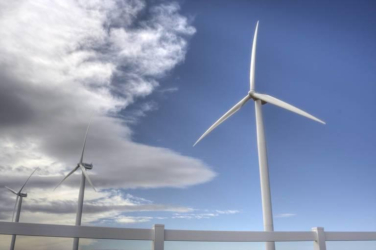 Wind-power-is-surging-in-North-Dakota-but-some-politicans-want-to-curb-its-growth.jpg