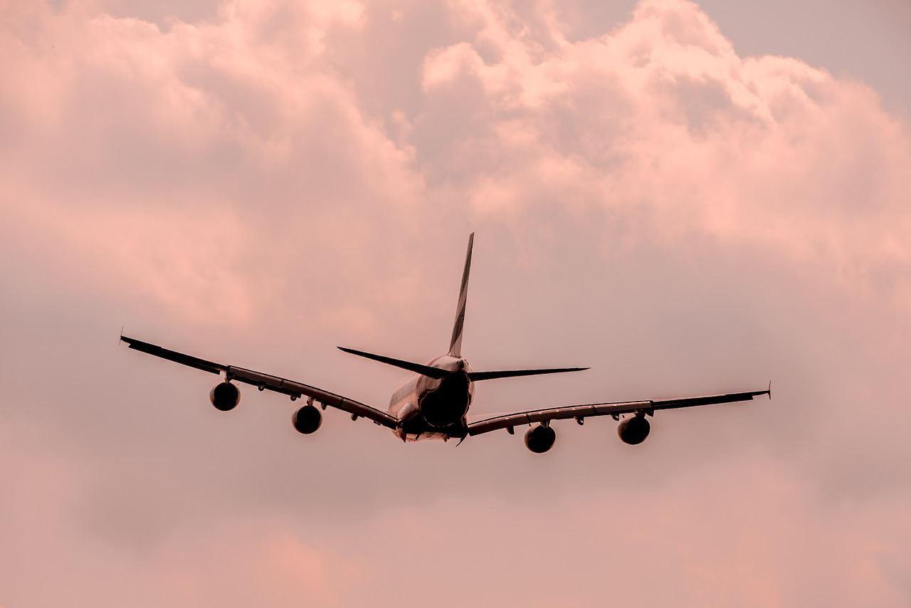 aircraft-1526567_1280-1.jpg