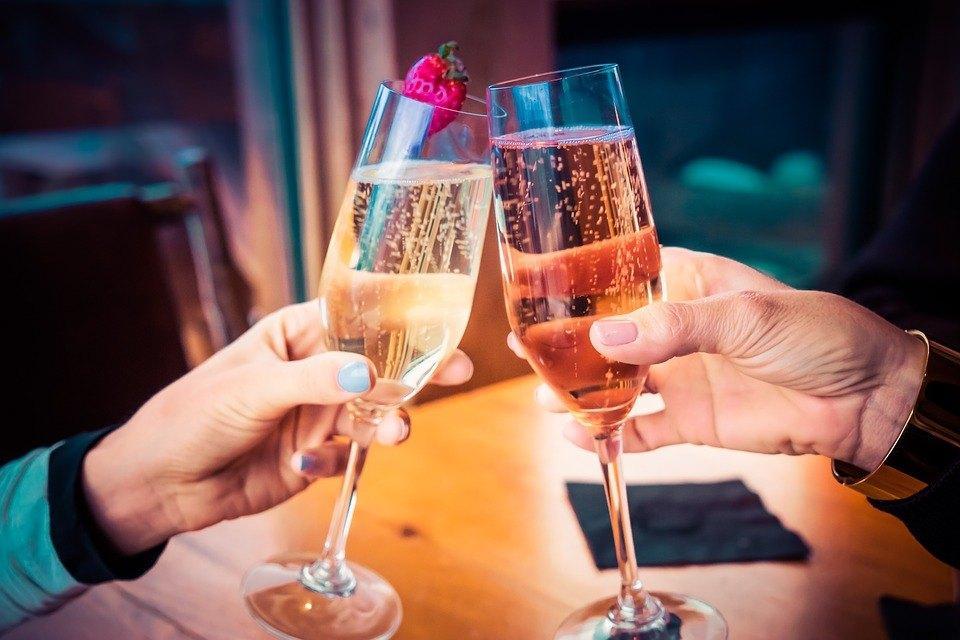 celebrate-1786189_960_720.jpg