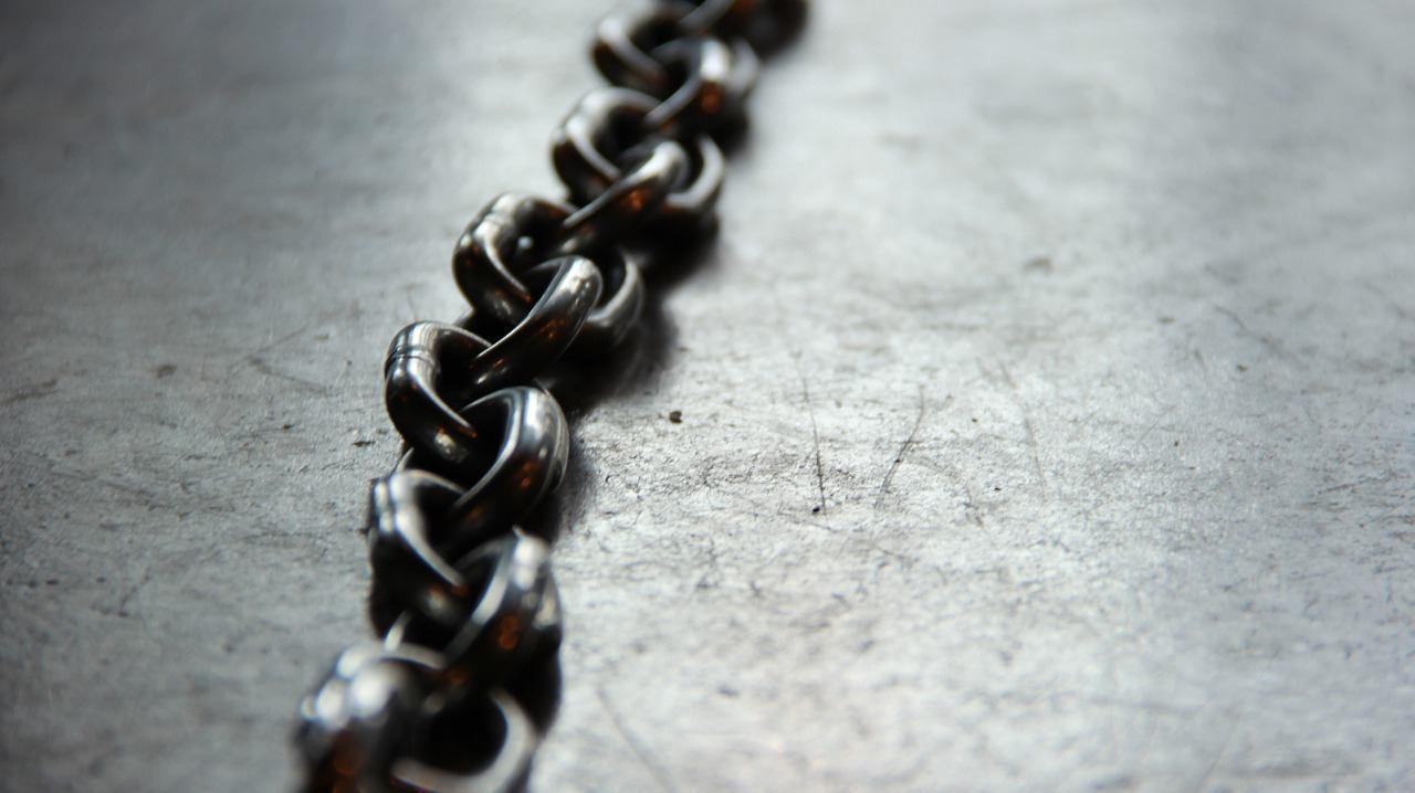 chain-690088_1280.jpg