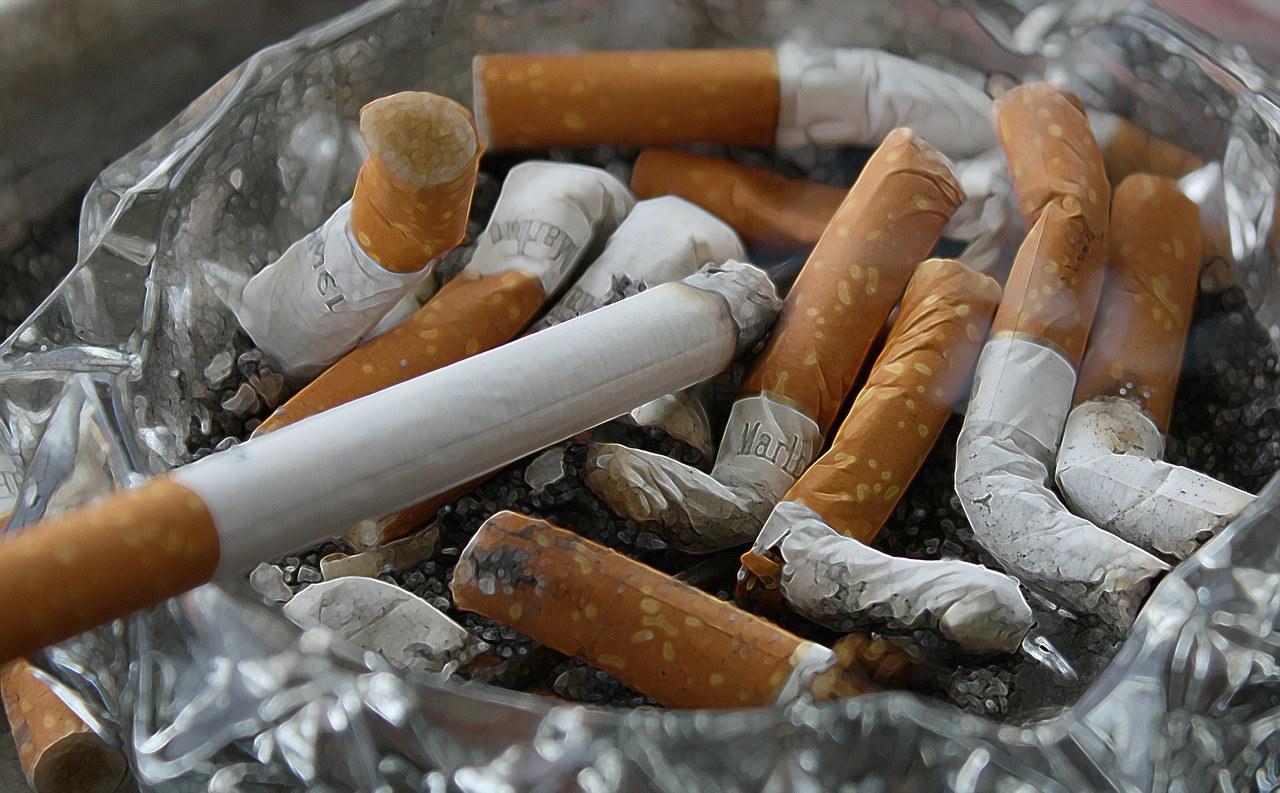 cigarettes-83571_1280.jpg