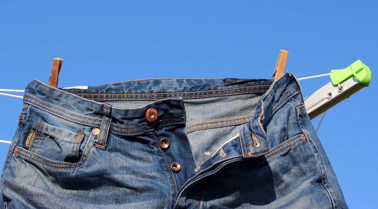 clothes-line-1321543_1280.jpg