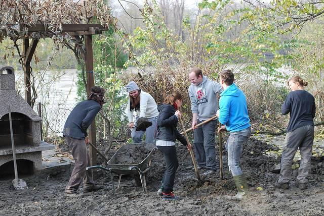 corporate_social_responsibility_volunteers_DanielThornton.jpg