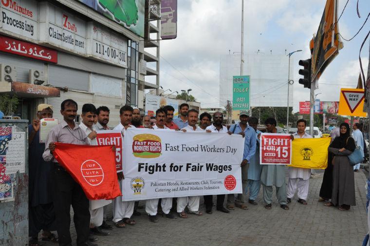 fast_food_workers_Karachi-21.jpg