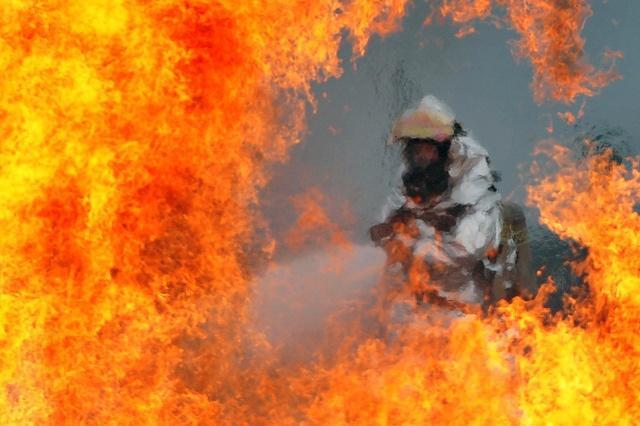 firefighter_chemical_flame_retardants_DVIDSHUB.jpg
