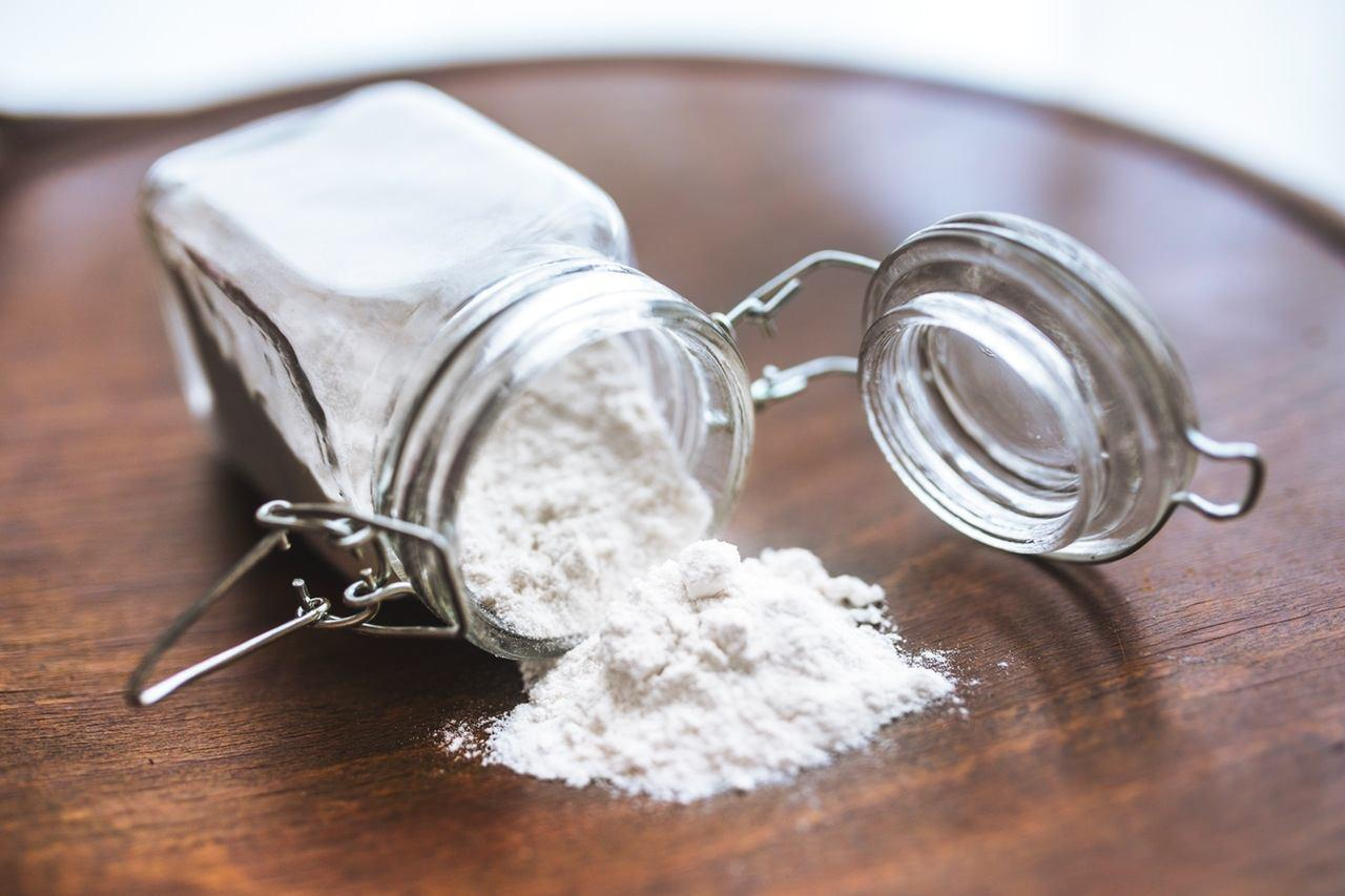 flour-powder-wheat-jar.jpg
