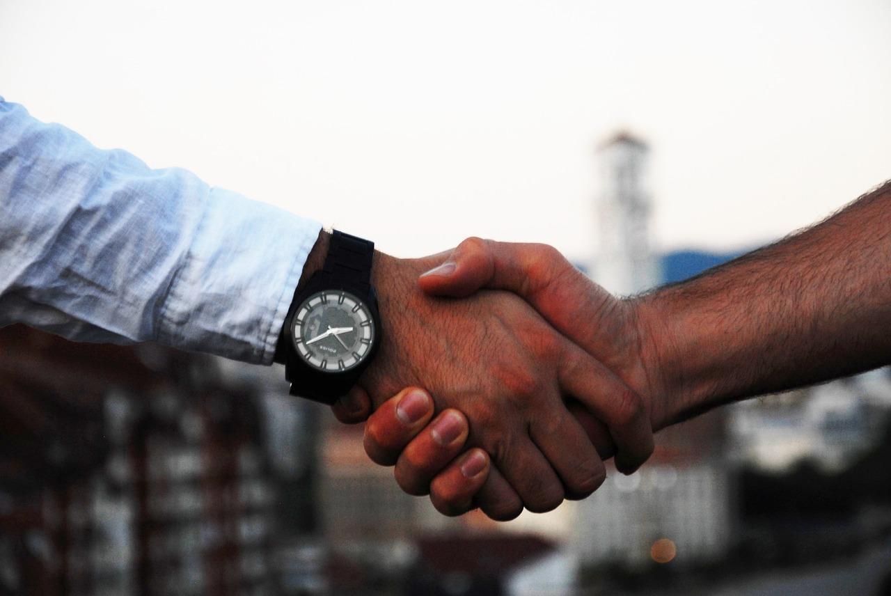 handshake-1513228_1280.jpg