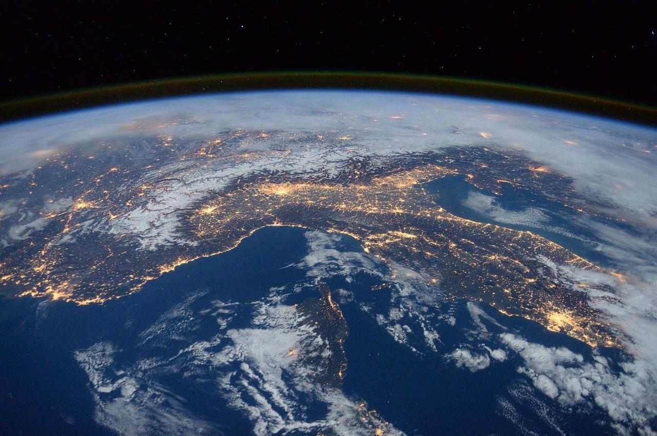 international-space-station-1176518_1280.jpg