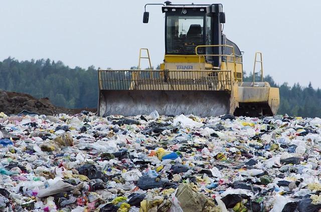 landfill-879437_640.jpg
