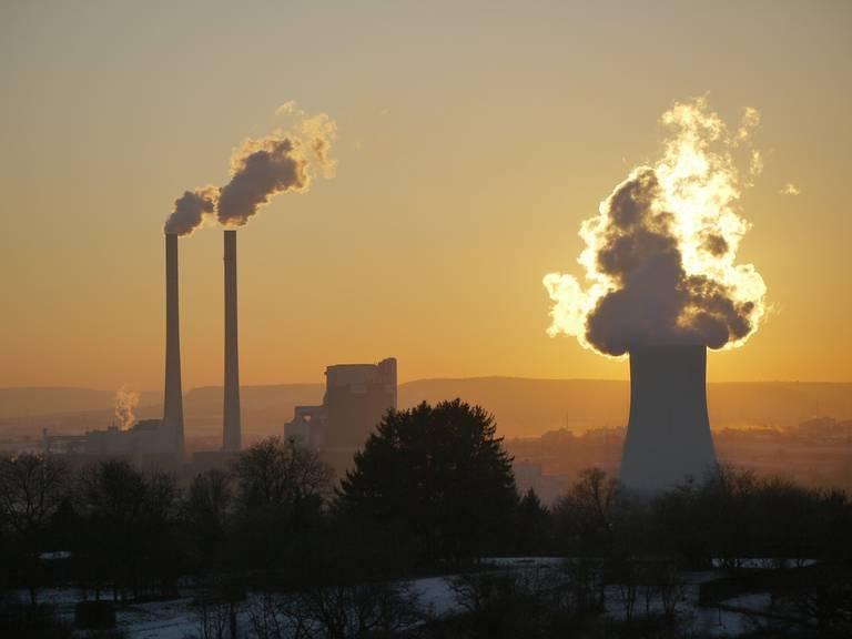 power-plant-2012377_1280.jpg