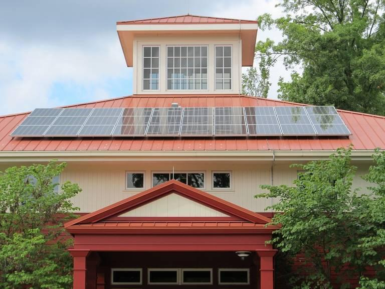 solar-panel-array-1794503_1920.jpg