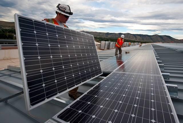 solar-panels-1794467_640.jpg