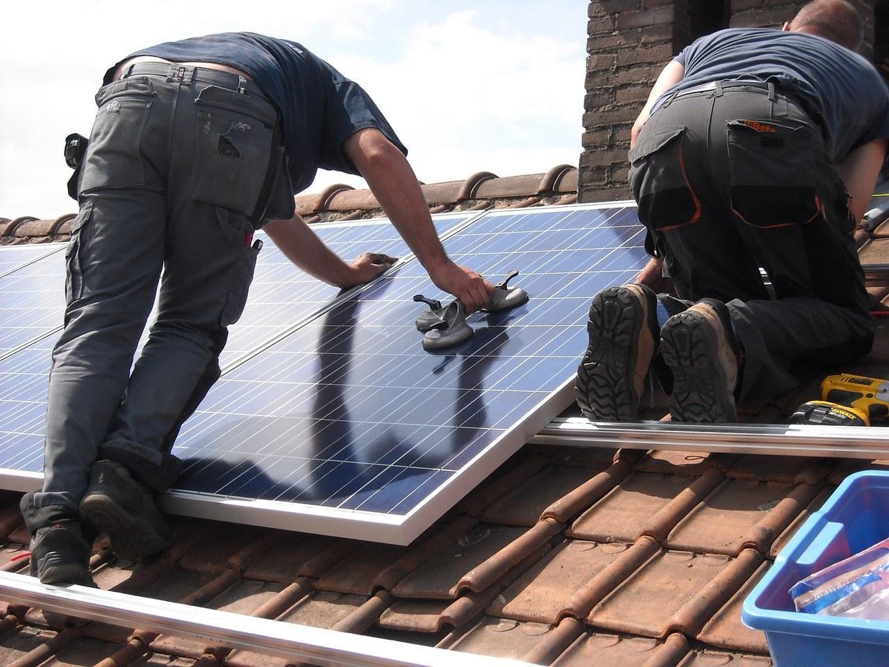 solar-panels-944000_1280-1.jpg