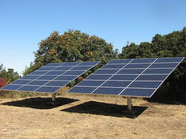 solar_garden_Xcel_MikeWeston.jpg