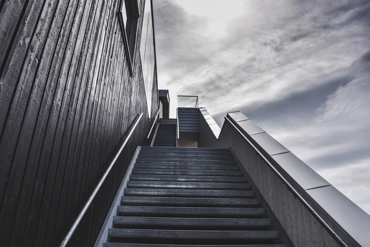 stairs-918735_1280.jpg