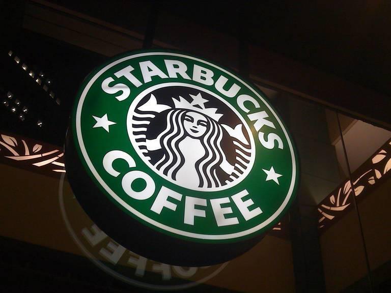 starbucks_logo_racial_bias_RodrigoSampaioTeixeira.jpg