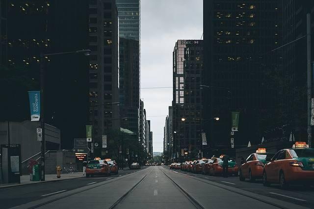 street-scene-863440_6401.jpg