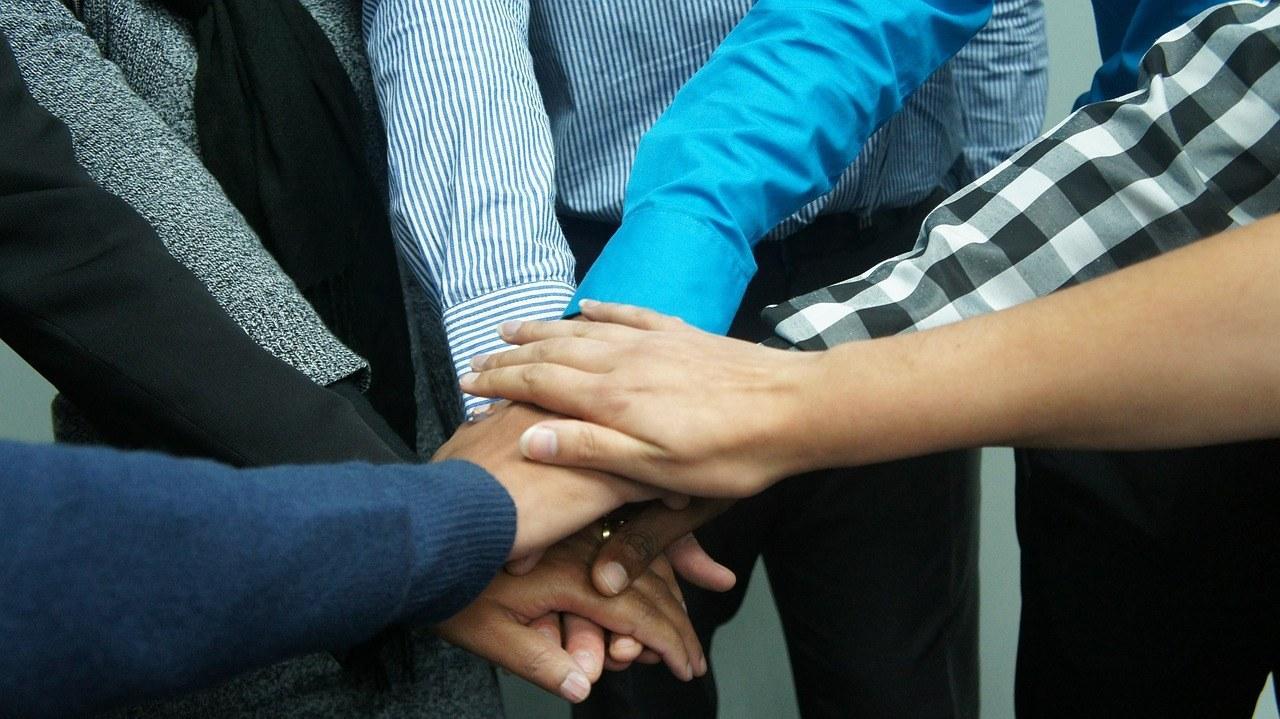teamwork-383939_1280.jpg