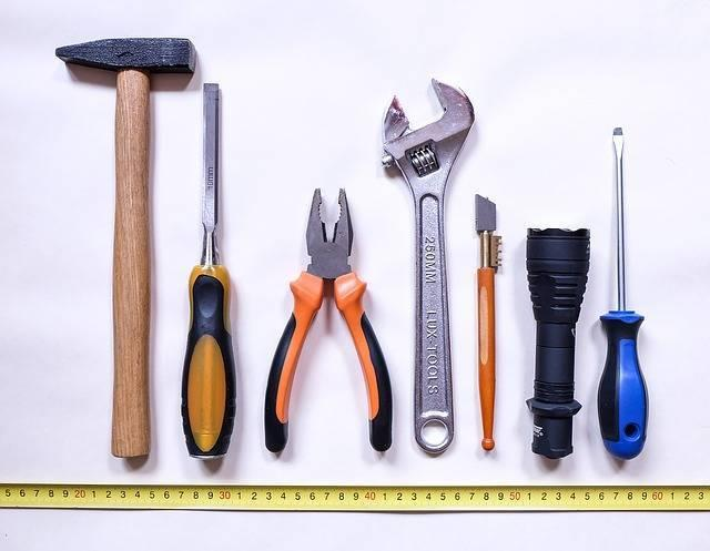 tools-2145771_640.jpg