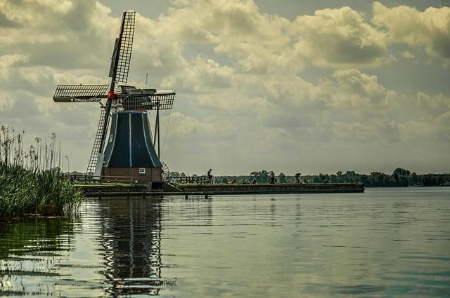 windmill-384579_640.jpg